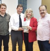 Lançamento do livro: Vozes das Ruas escrito pelo nosso Professor da ESABI Francis Albert Cotta